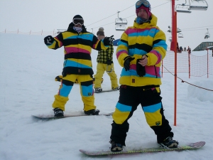 3CS riders Gus St Leaon an Jason Currie rocked up to check the set-up and cruise Buller in the 2010 3CS outerwear.